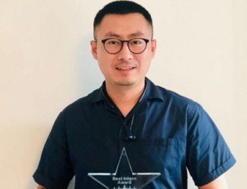 """Tony CHI was presented with the """"Best Intern Award"""" by SABA Hospitality"""